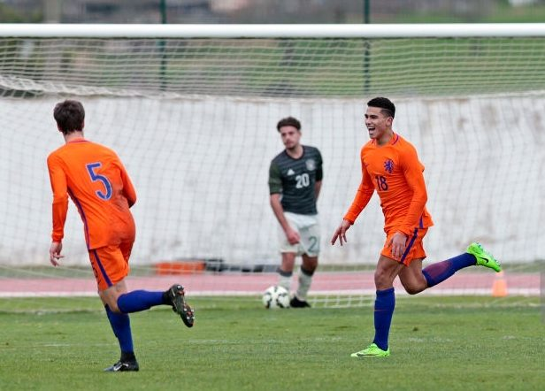 LAGOS, PORTUGAL - FEBRUARY 09:players of Netherlands U17 celebrating their goal (L-R) Kik Pierie, Zakaria Aboukhlal, Daishawn Redan, Dogucan Haspolat during the 40º Algarve International Tournament U17 Match between Netherlands U17 and Germany U17 on February 10, 2017 in Lagos, Portugal. (Photo by Ricardo Nascimento/Getty Images)