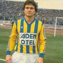 Oysa bir deliyi sevmişti Fenerbahçeli