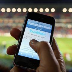 """Futbolcular için """"gelir"""", futbol için """"bilgi"""" kaynağı: Sosyal Medya"""